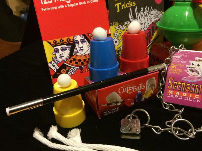 cups-and-balls-magic-kit-photo